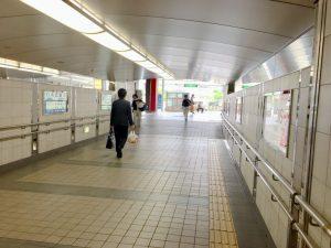 南出口から北出口への構内地下道
